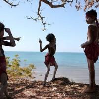 Члены племени Рирратжинги / Rirratjingu в Юрркала / Yirrkala в Восточном Арнемленде перед визитом премьер-министра на этой неделе. Фото: Джек Чан.