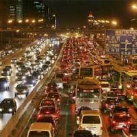 Напряженный трафик в Пекине.