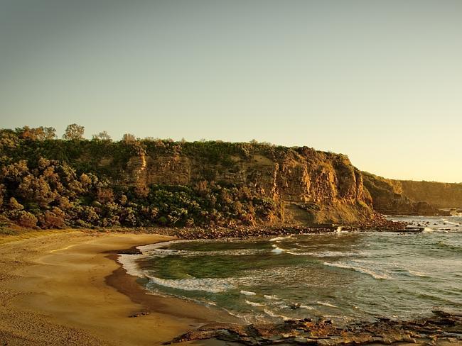 Бухта вдоль побережья Банаронг, штат Виктория.