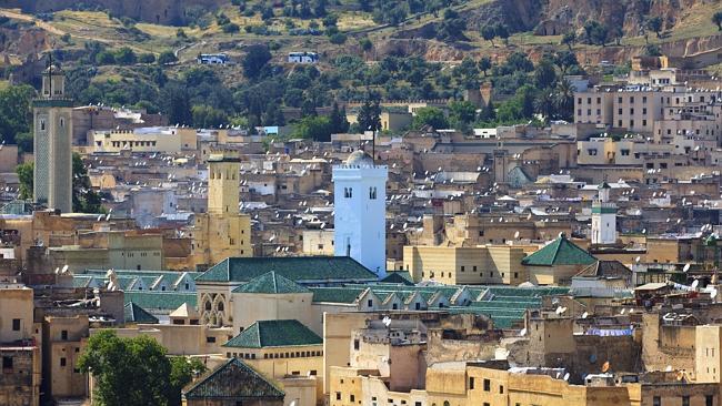 Наслаждайтесь видом на марокканский город Фес.