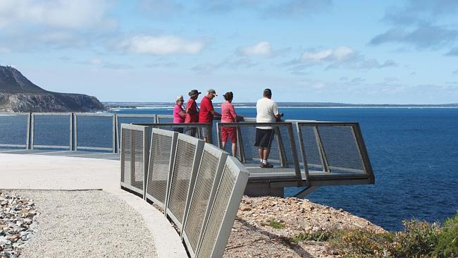 Новая смотровая площадка на мысе является частью плана по обновлению за $ 40 млн.
