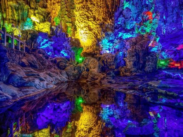 Радужные пещеры, Китай.