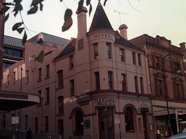 Отель Рассел в Сиднее.