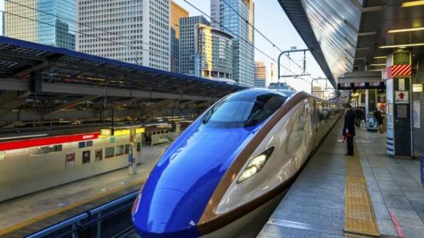 Скоростной поезд Синкансэн, Япония.