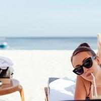 Отдохните на белых песчаных пляжах Шри-Ланки.