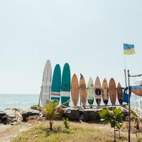 Серфинг на Шри-Ланке.