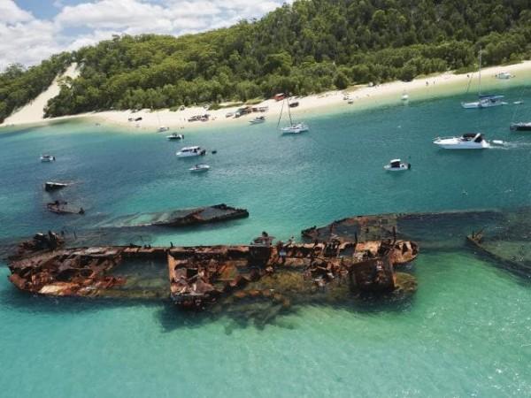 Тангалумская Бухта Затонувших Кораблей