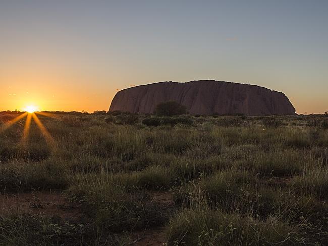 Закат в Улуру, штат Северная Территория. Австралия.