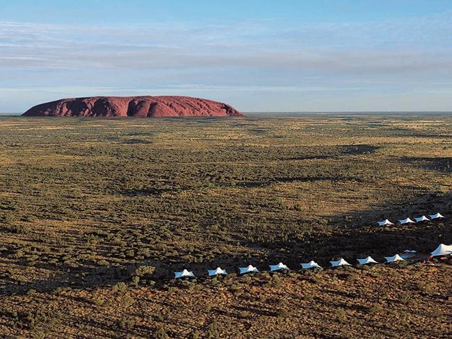 Роскошные частные палатки в Улуру, штат Северная Территория, Австралия.