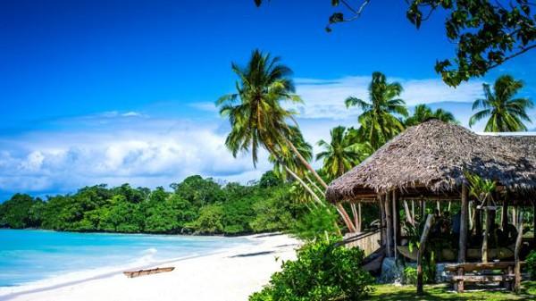 Вануату - острова в Меланезии.