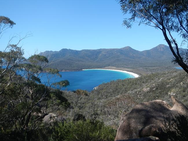 Бухта Вайнгласс Бей (Wineglass Bay), Тасмания.