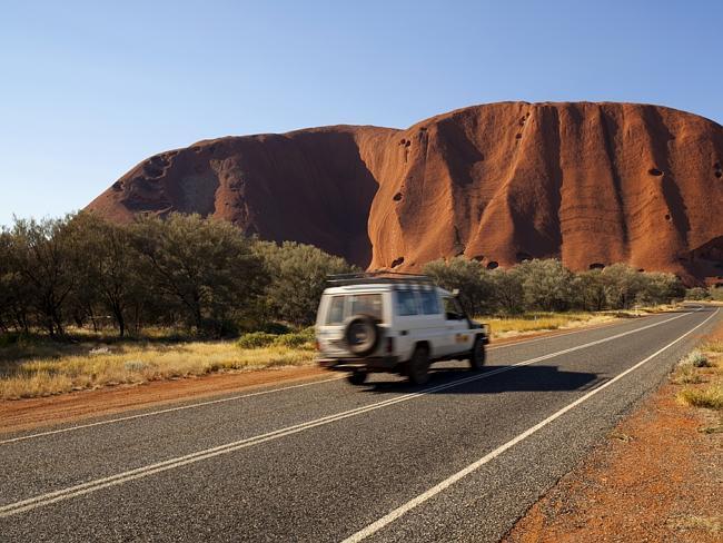 Большая Красная Скала. Улуру, штат Северная Территория. Австралия.