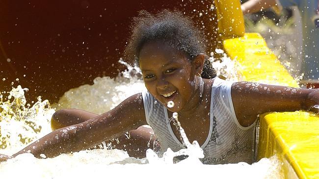 Существуют сотни чудесных мест по всей Австралии, в которых могут замечательно отдохнуть и развлечься как дети, так и их родители.