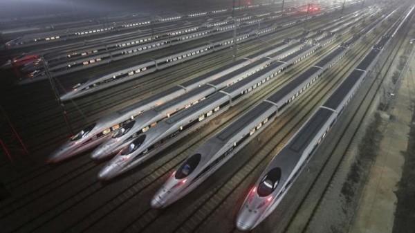 CRH380 - система высокоскоростного железнодорожного сообщения в городе Ухань, Китай.