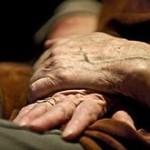 Пожилые жители Австралии требуют защиты