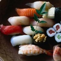 В Японии прекрасный выбор суши. Фото: Lonely Planet.