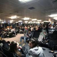 Задержка рейса в аэропорте Гекчен Сабиха, Стамбул, Турция.